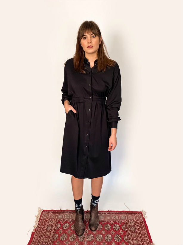 black shirt dress capsule wardrobe elastic waist jkh online shop julia kaja hrovat