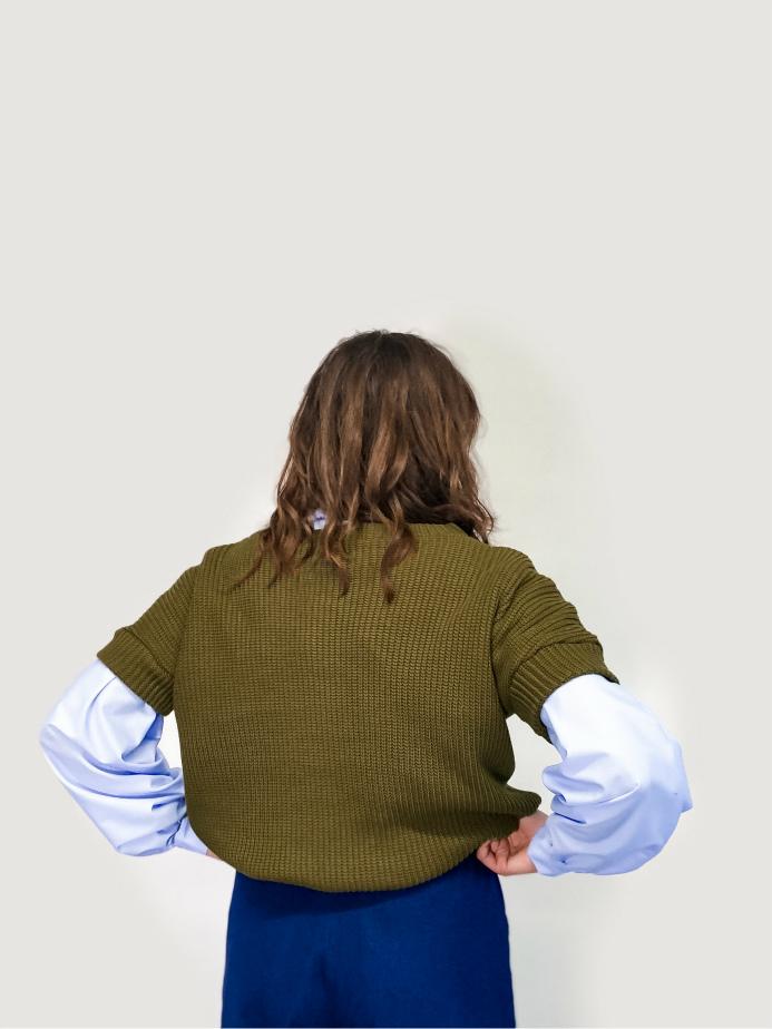 jkh julia kaja hrovat online shop knit V neck vest fashion made in slovenia designer v neck vest trendy fashion online